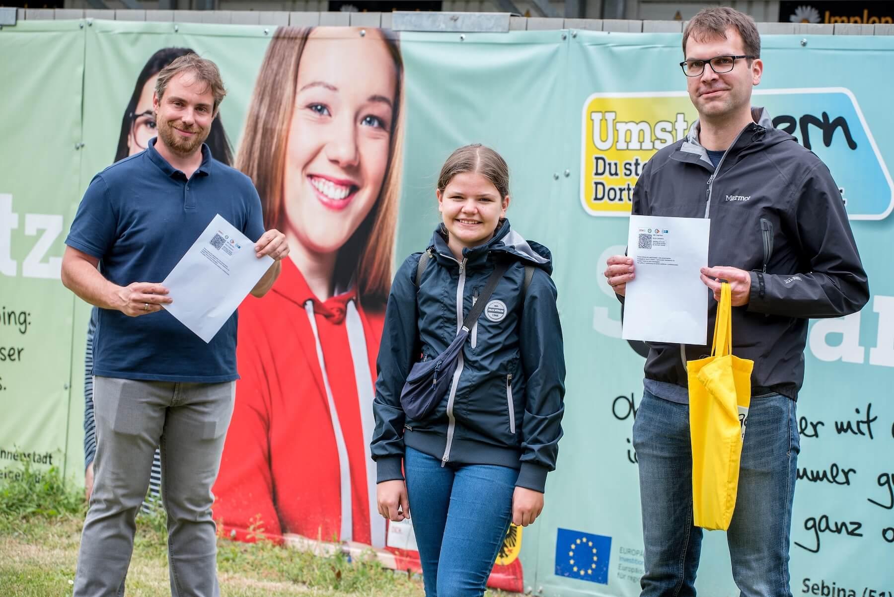 Familie Lönnendonker erhält 7-Tages-Tickets für Bus und Bahn in Dortmund