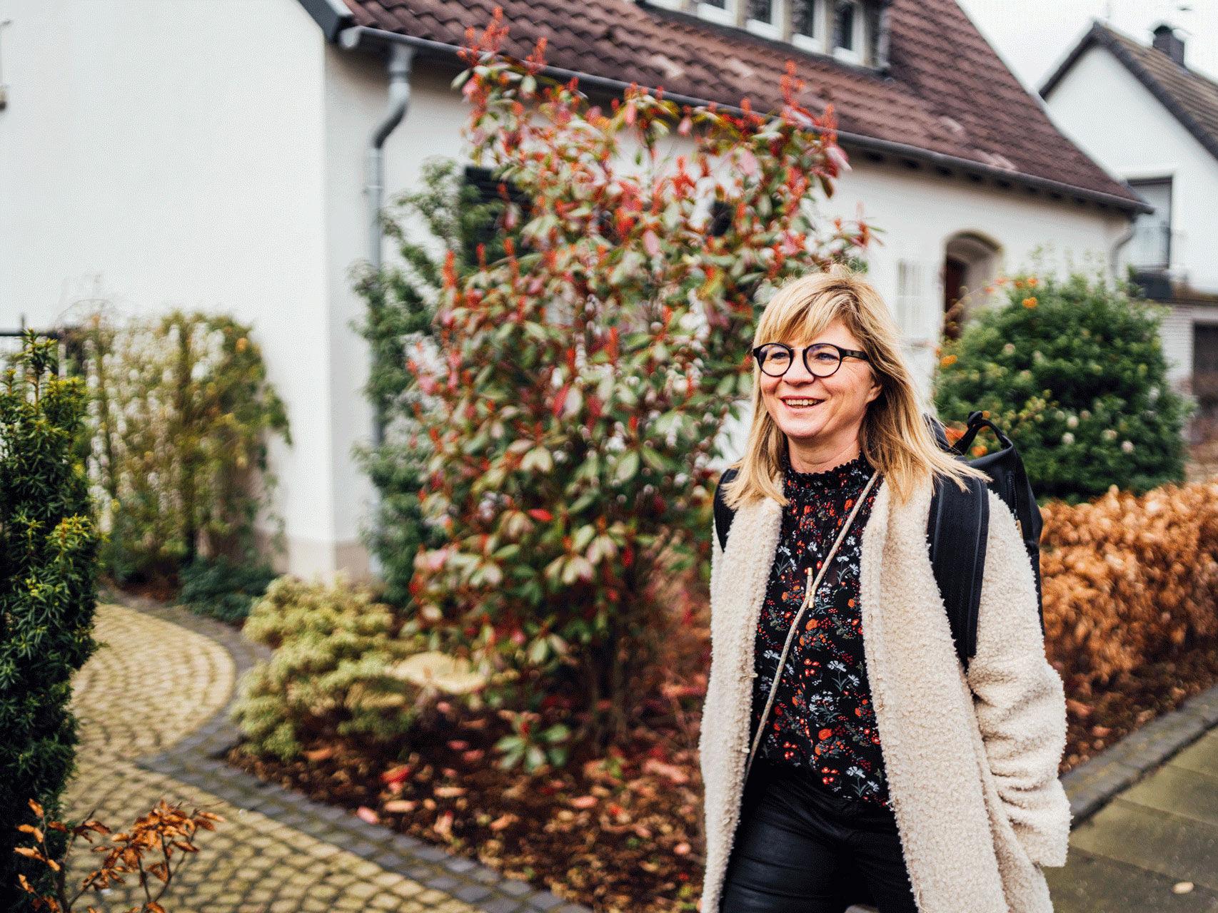 Von den Gehwegen Dortmunds aus gibt es für UmsteiGERN-Botschafterin Sebina einiges zu entdecken